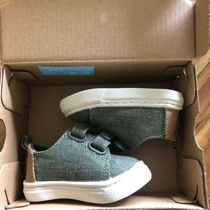 Tom's Lenny Cypress Coated Linen baby size 2 shoes